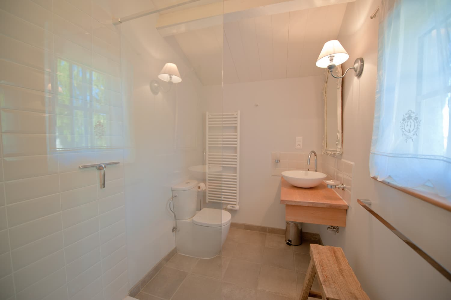 Bathroom in Dordogne rental home