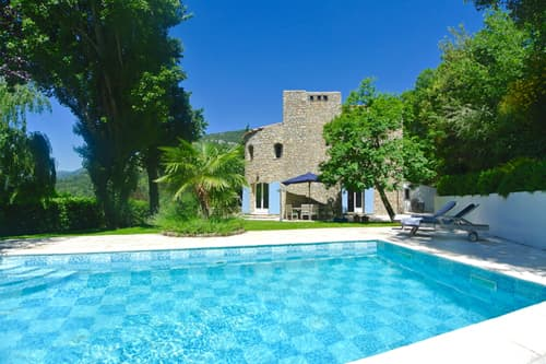 Self-catering accommodation in Provence with private pool