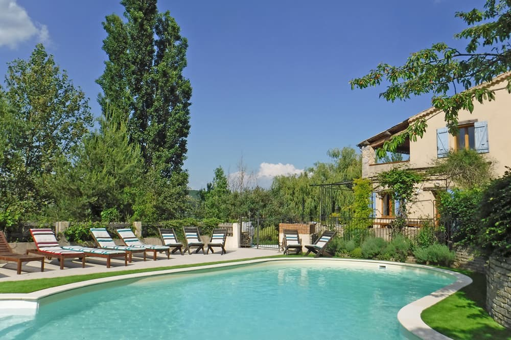 Holiday accommodation with private pool in Hautes-Alpes, Southern France
