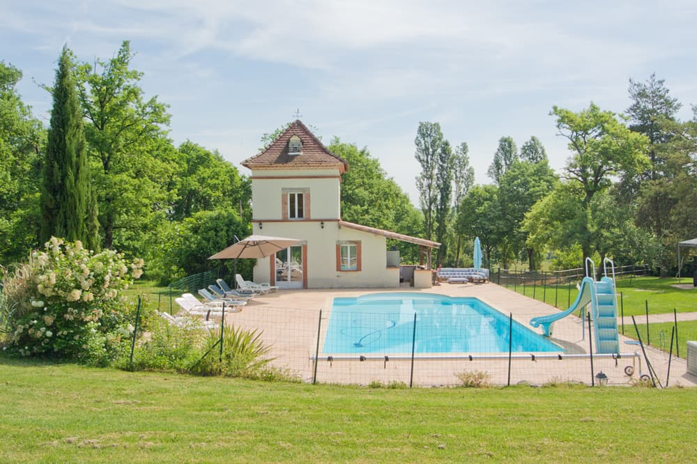 Holiday home in South West France with private pool and lawned garden