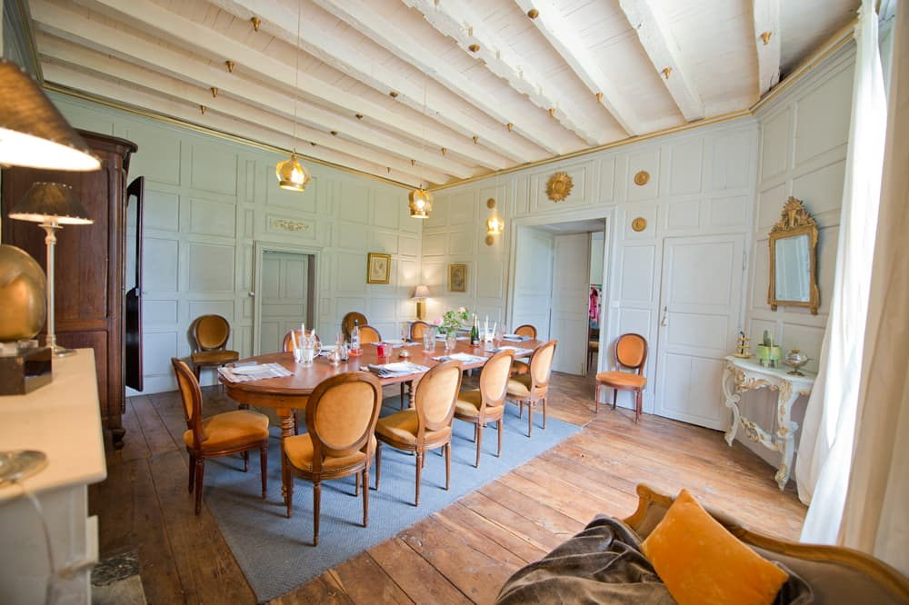 Dining room in Charente holiday château