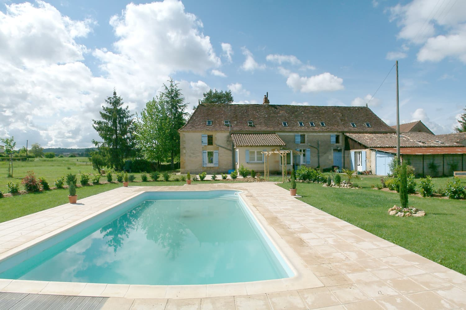 Dordogne holiday accommodation with private pool
