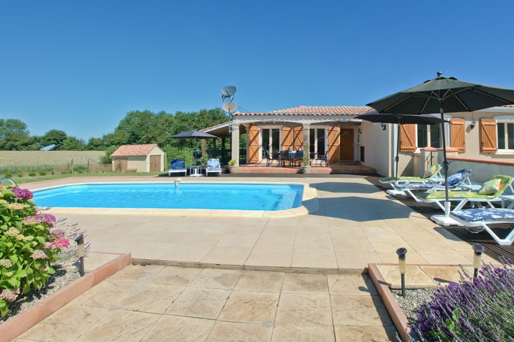 Holiday villa in South West France with private pool