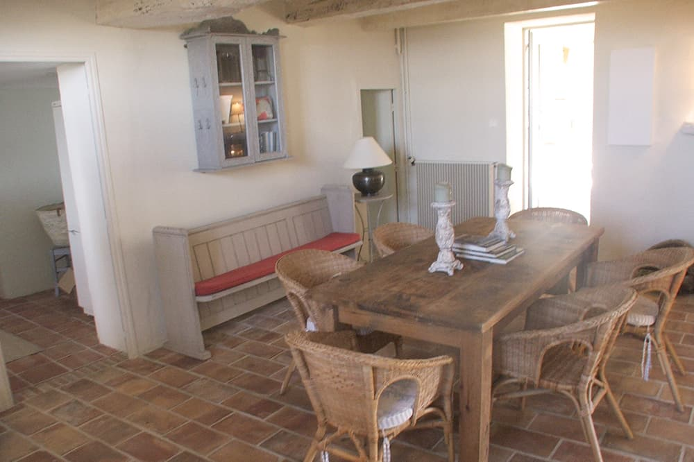 Dining room in Provence holiday accommodation