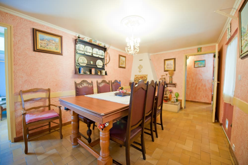 Dining room in Languedoc holiday accommodation