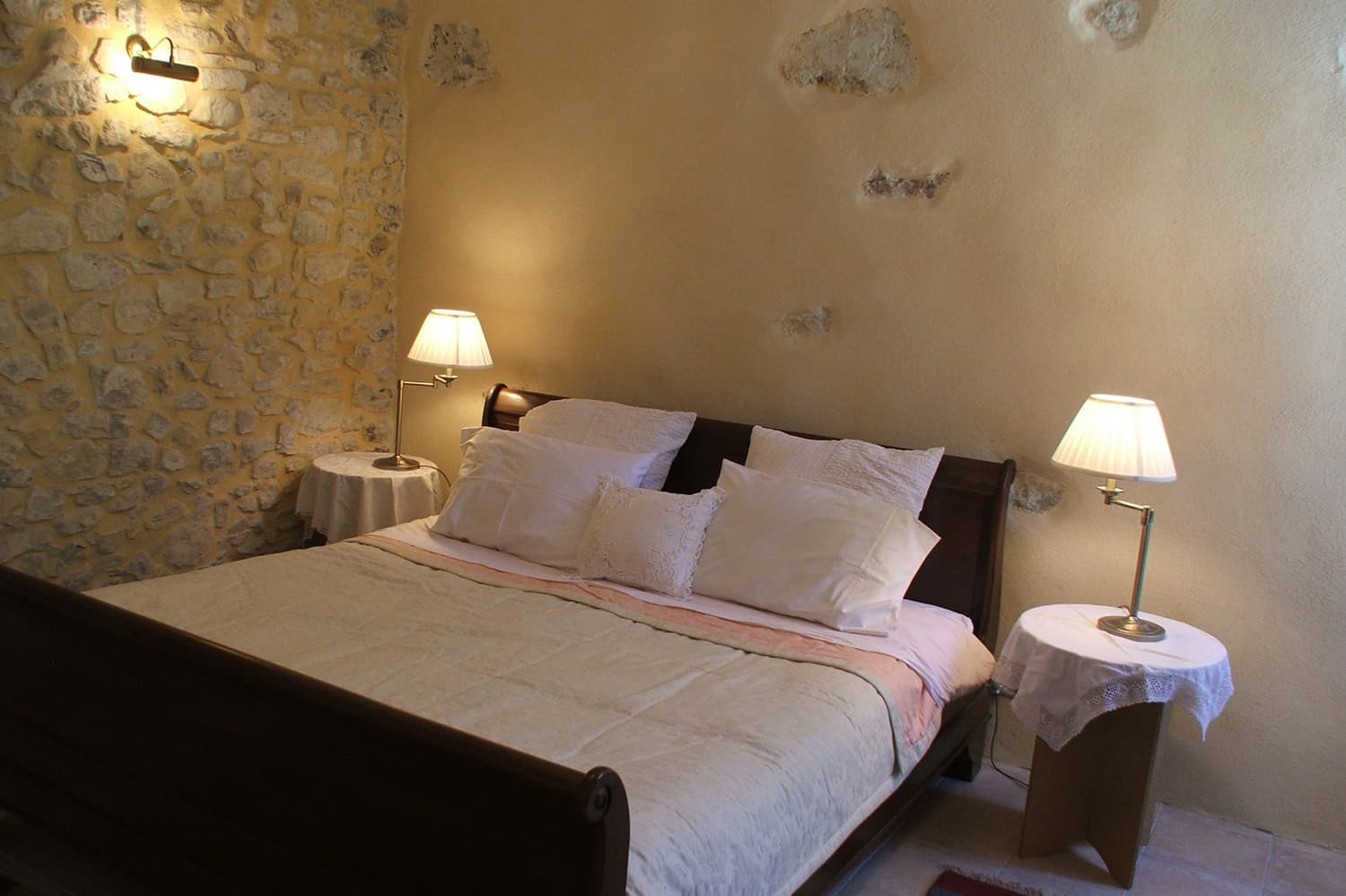 Bedroom in Boisset-et-Gaujac, Occitanie holiday accommodation