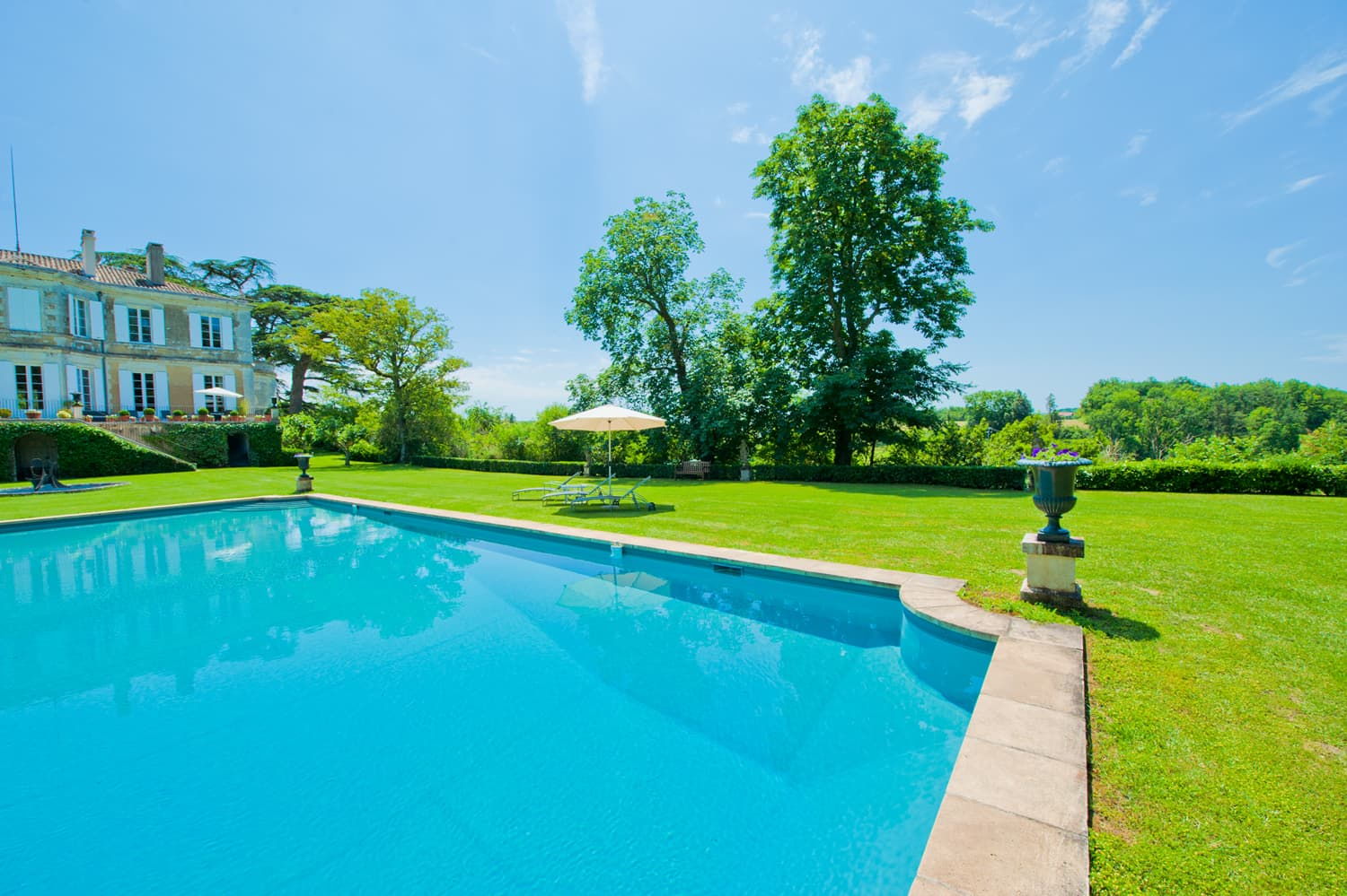 South West France holiday chateau with private pool