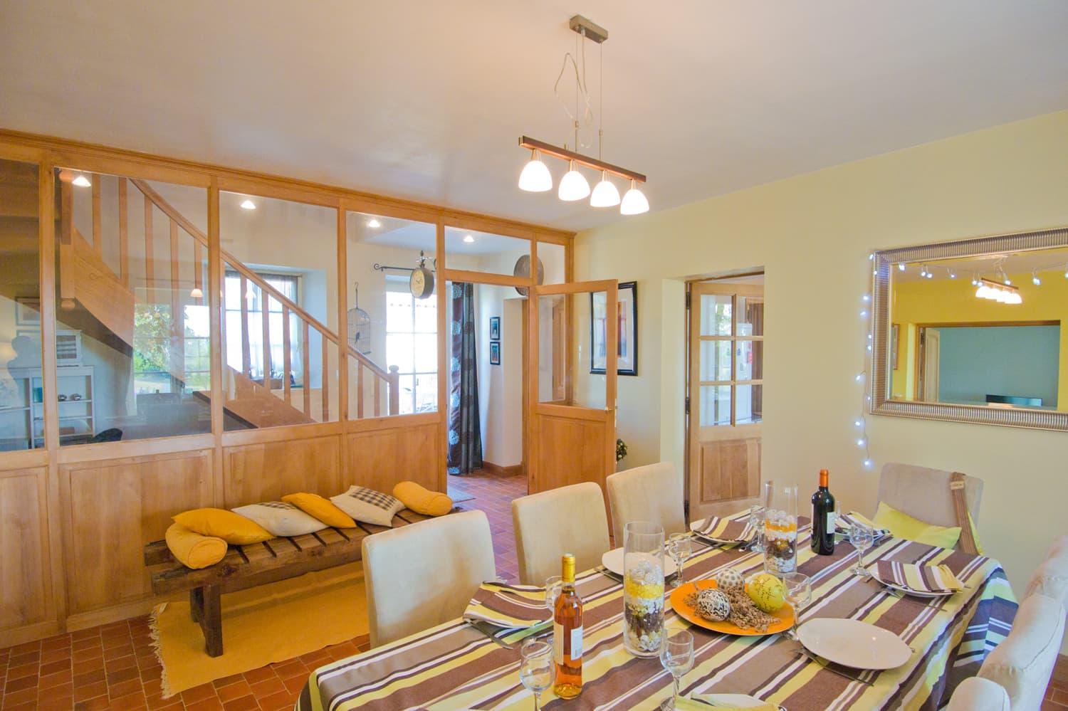 Dining room in Dordogne rental accommodation