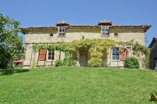 Holiday accommodation in Dordogne