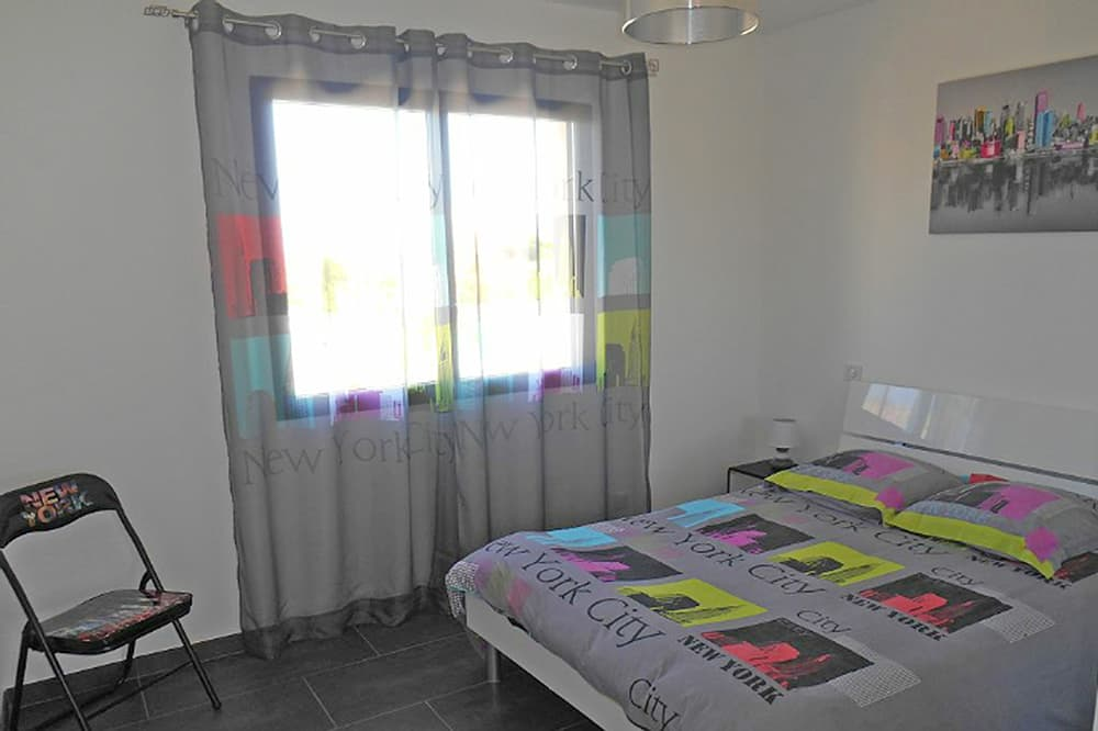 Bedroom in Languedoc rental accommodation