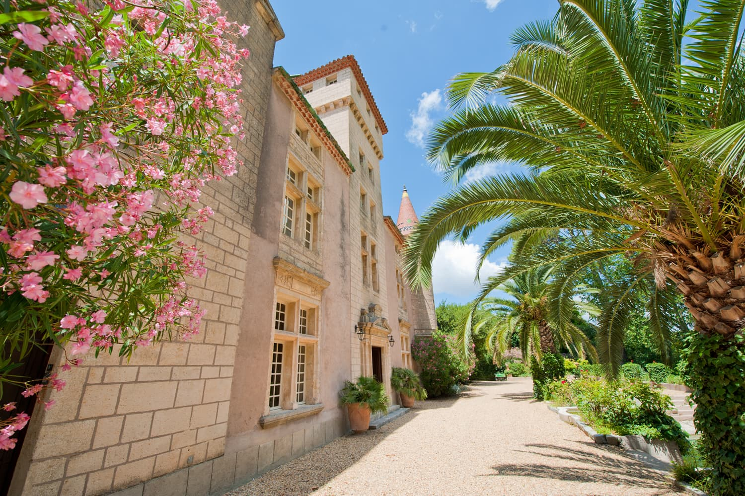 Holiday rental château in Languedoc