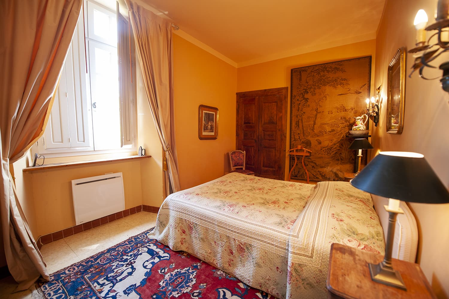 Bedroom in Cazouls-lès-Béziers holiday château