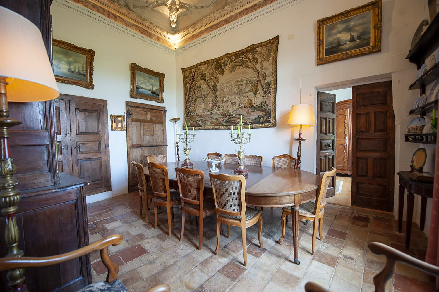 Dining room in Cazouls-lès-Béziers holiday château