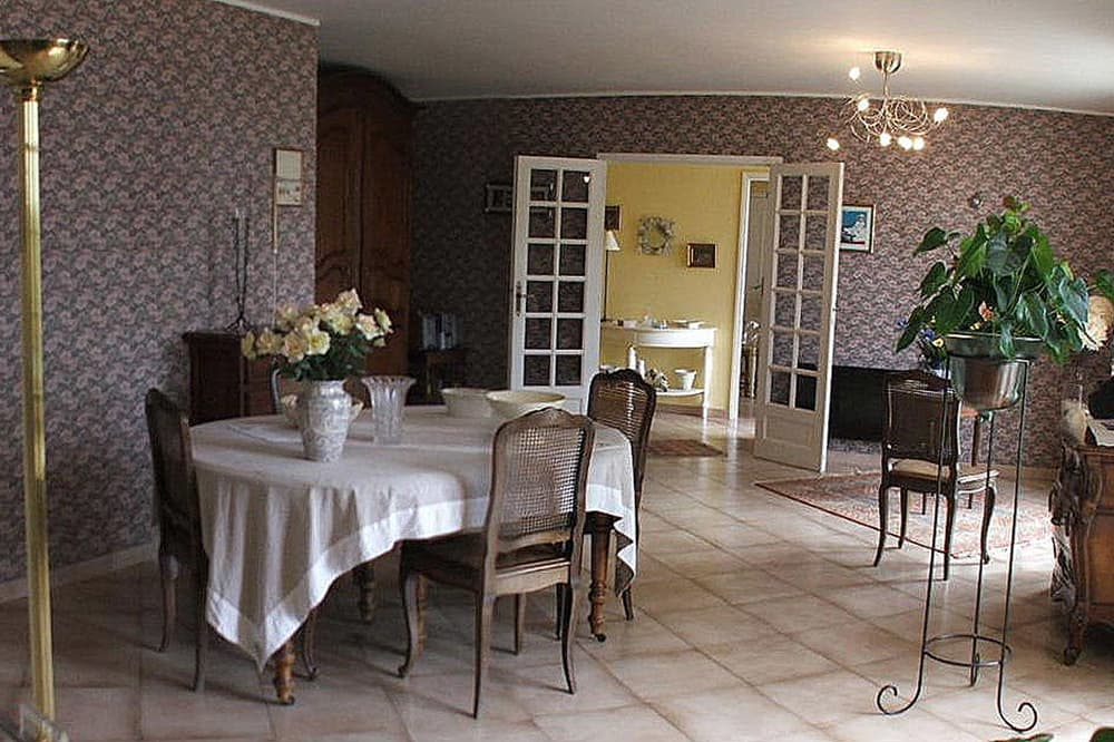 Dining room in Languedoc holiday villa
