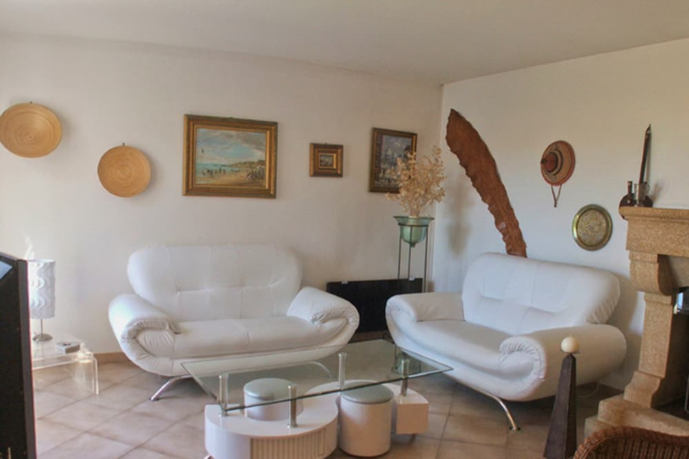 Living room in Languedoc holiday villa