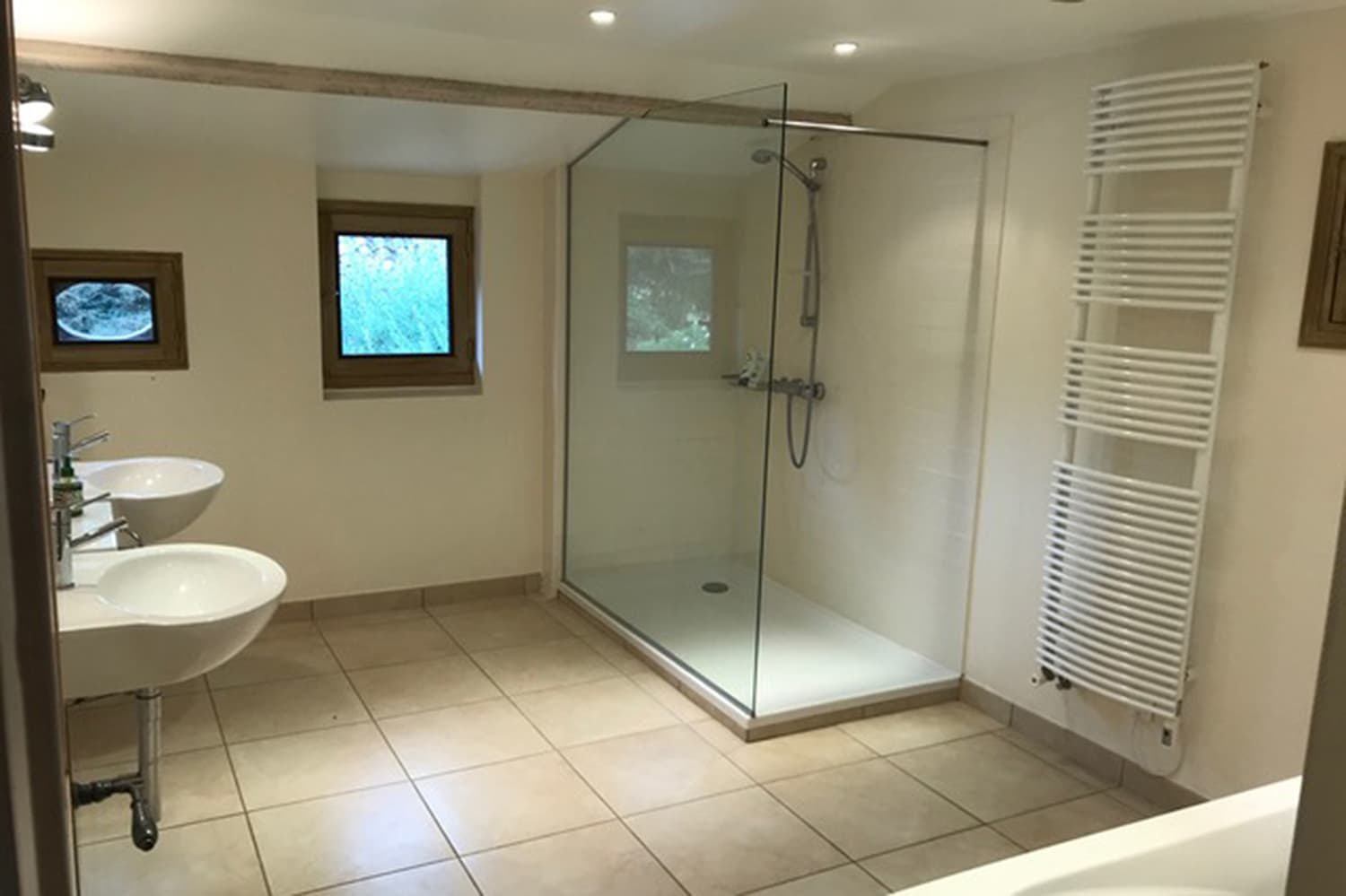 Bathroom in Carsac-Aillac rental home