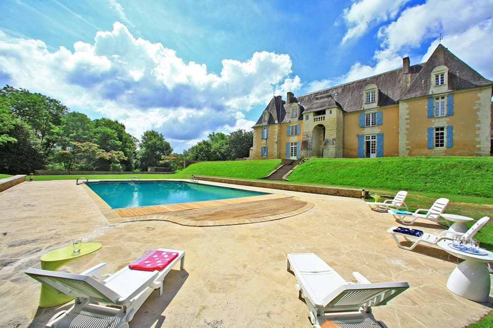 Holiday château in Dordogne with private, heated pool