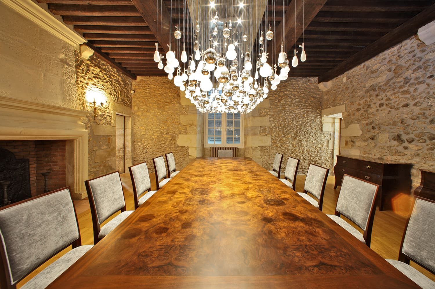 Dining room in Dordogne holiday château