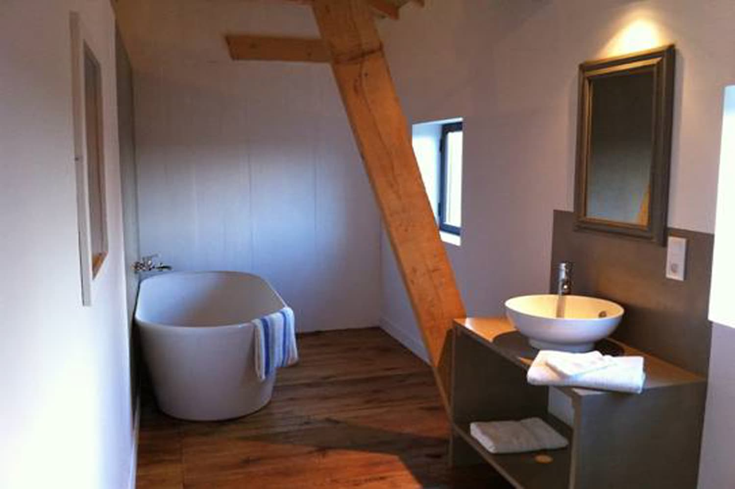 Bathroom in Dordogne holiday home