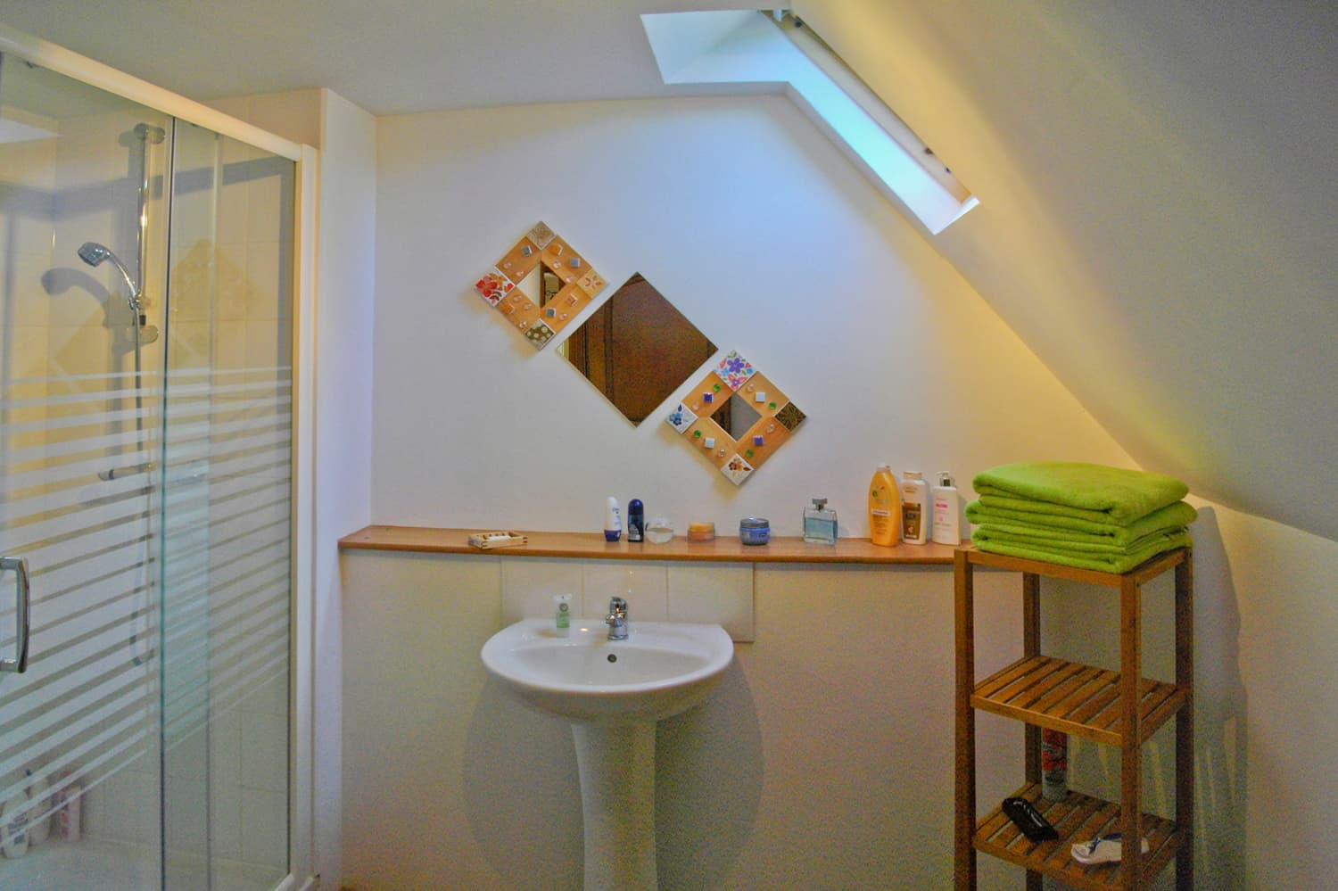 Bathroom in Dordogne holiday accommodation