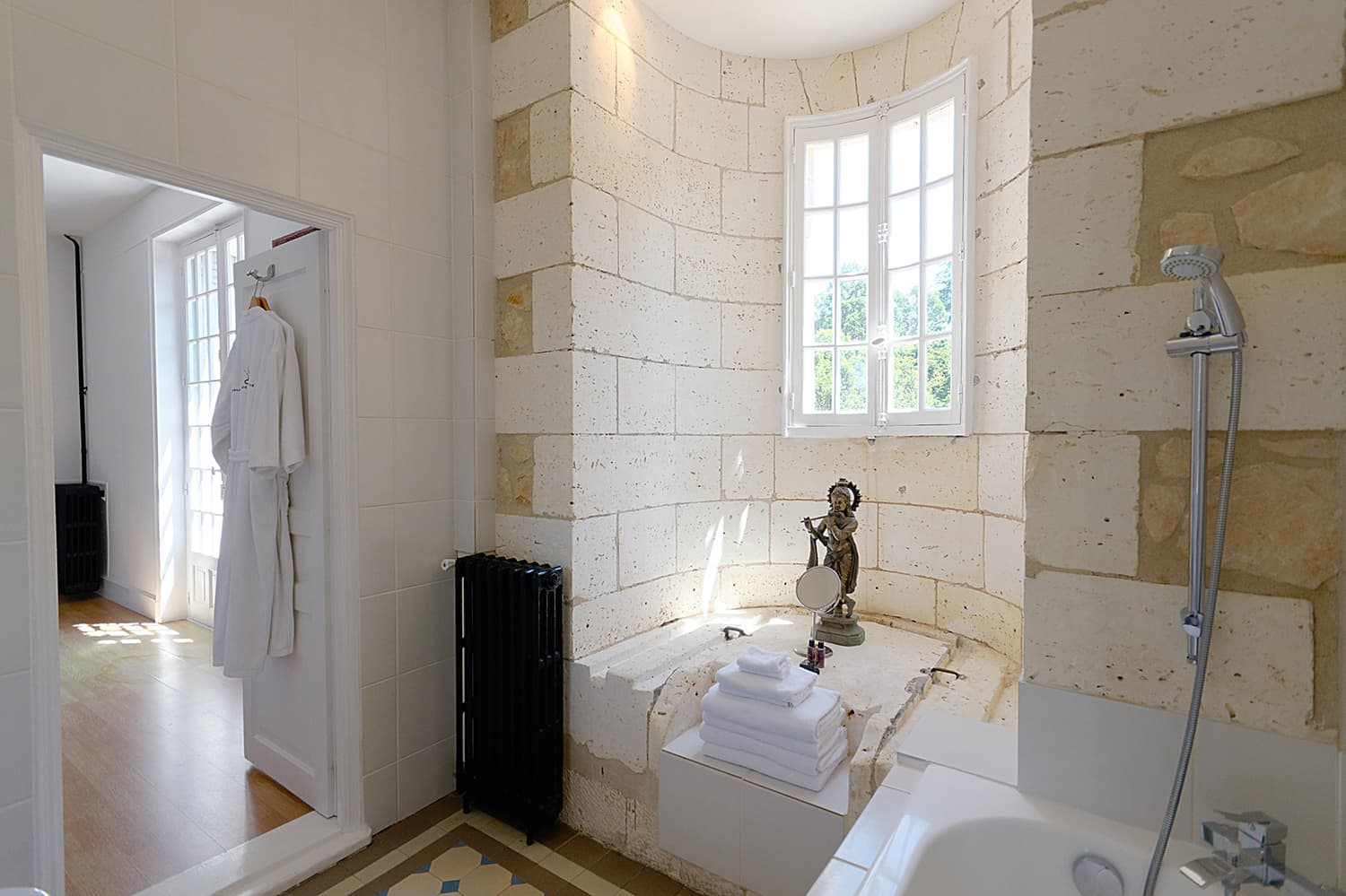 Bathroom in vacation château in West France