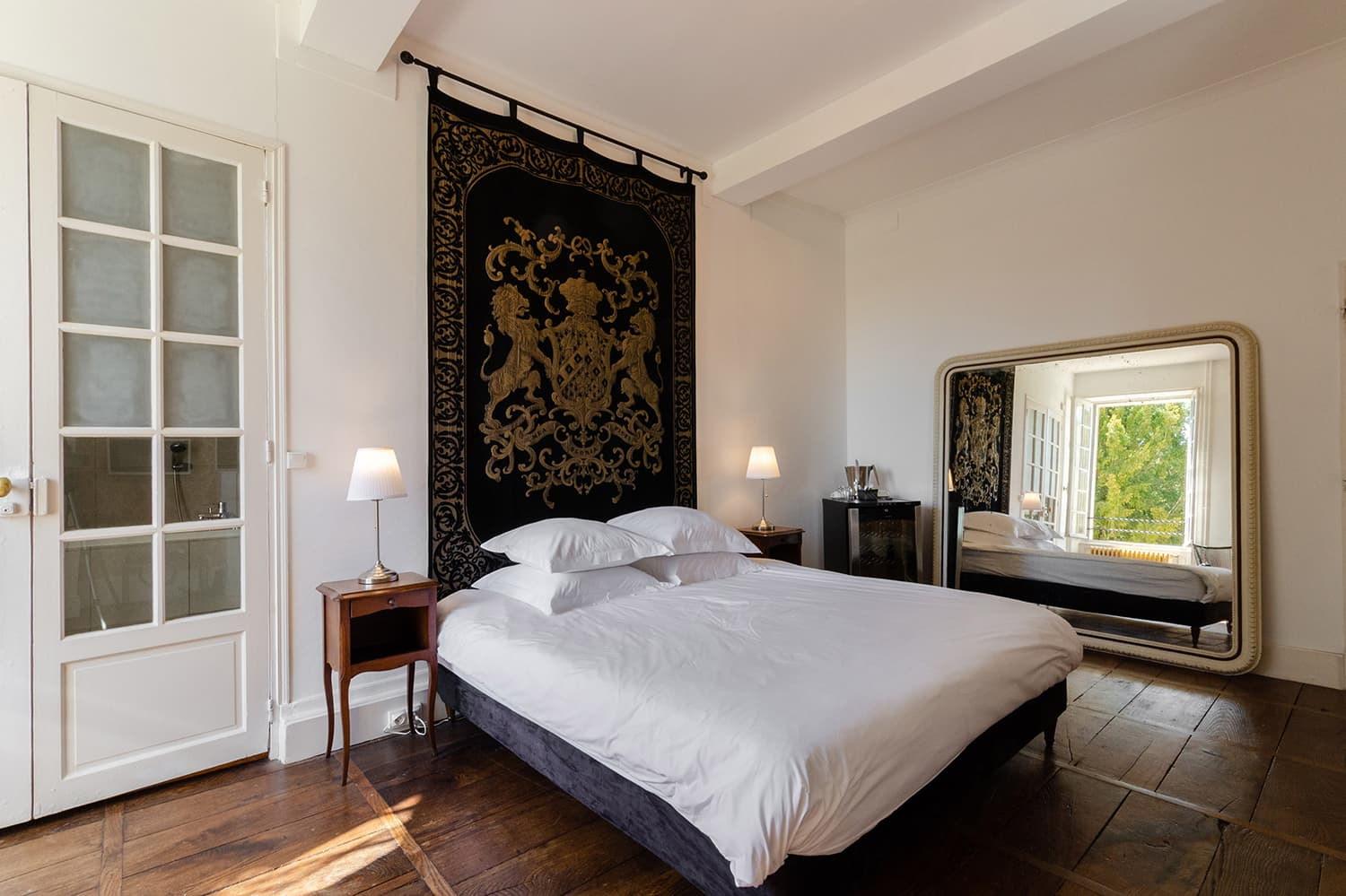 Bedroom in vacation château in West France