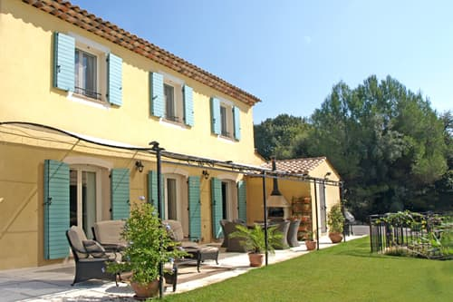 Holiday villa in Provence with private pool