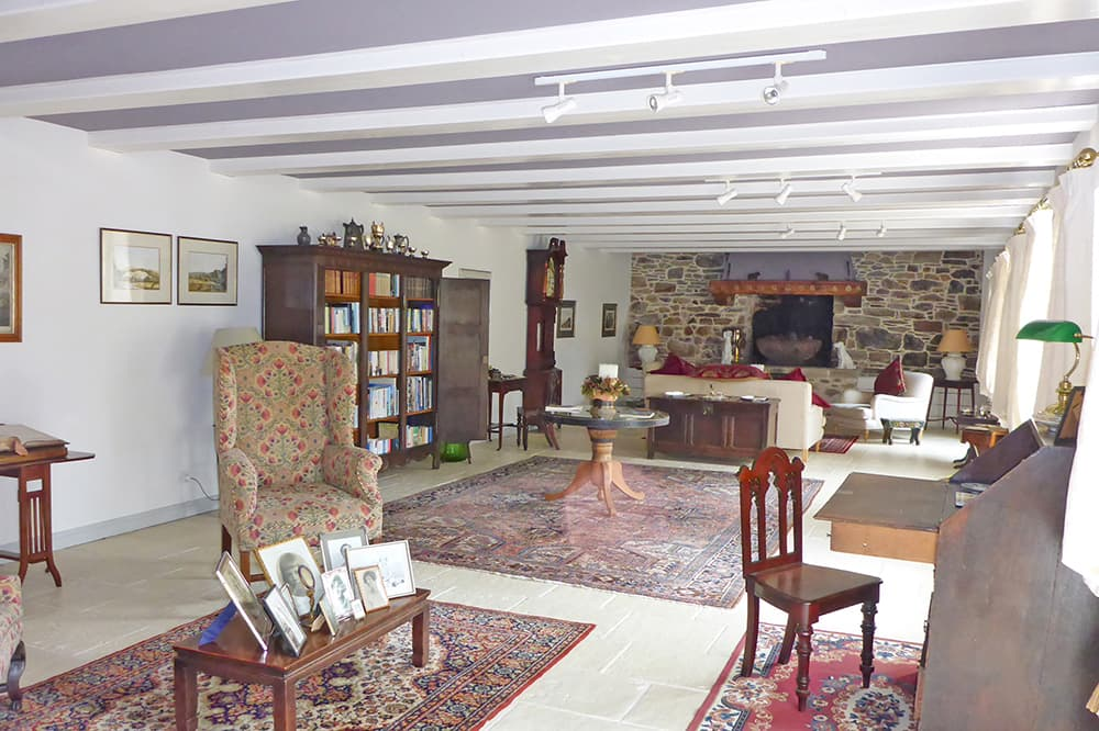 Dining room in Brittany holiday home