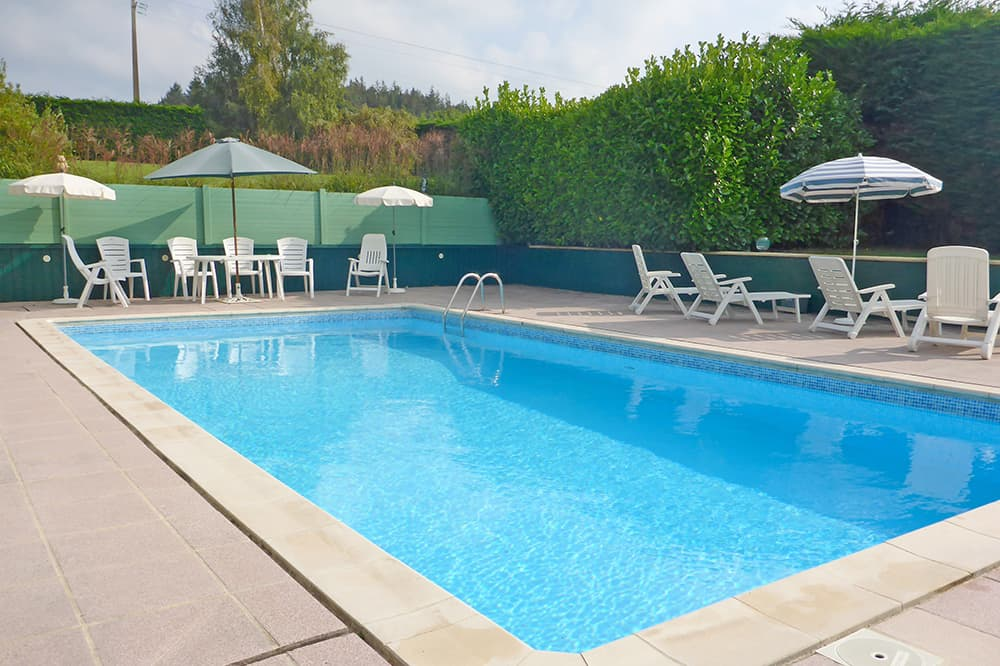 Private, heated pool in Brittany