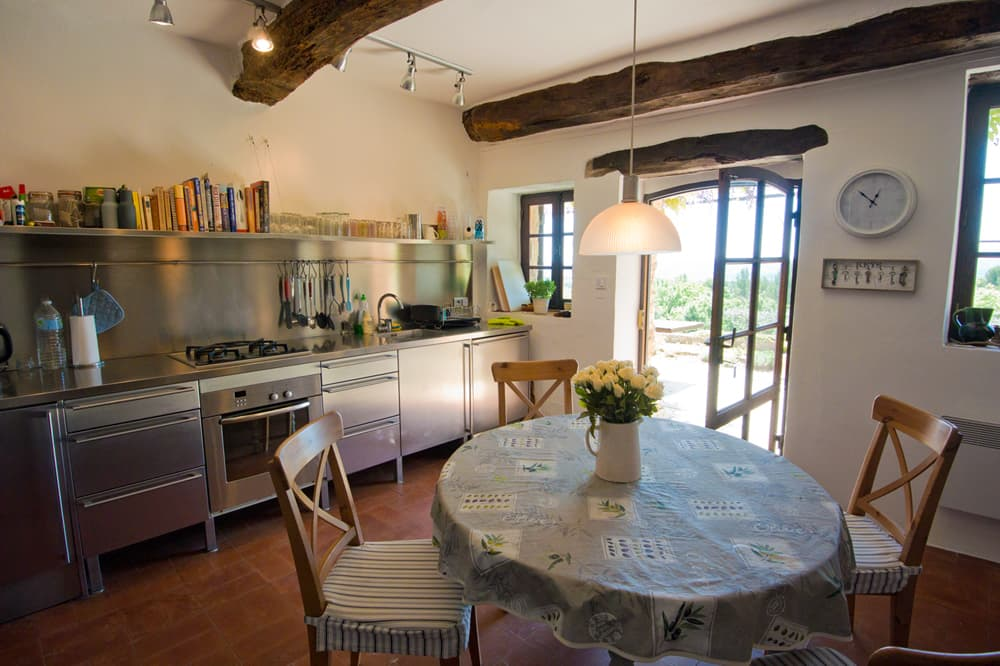 Kitchen in Provence self-catering accommodation