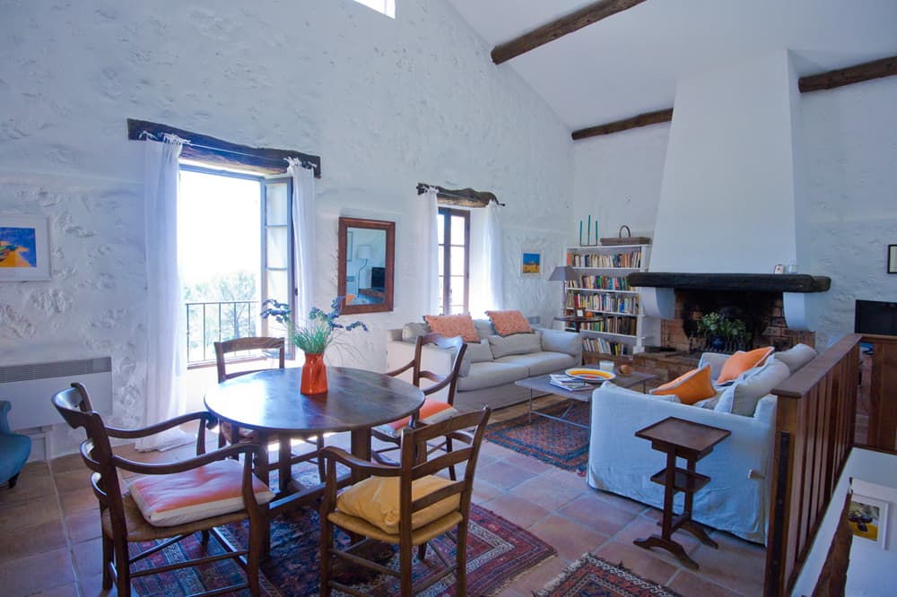 Living room in Provence self-catering accommodation