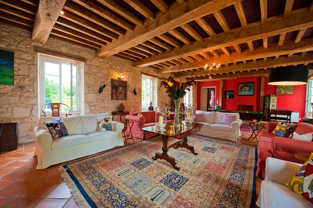 Living room in Dordogne holiday château