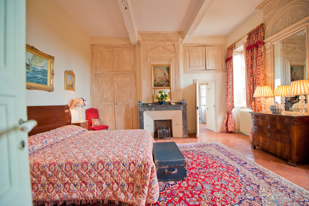 Bedroom in West France holiday château