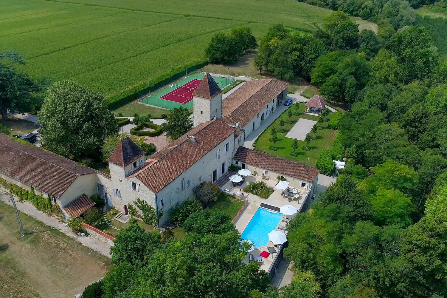 Holiday château in Lot-et-Garonne with private pool