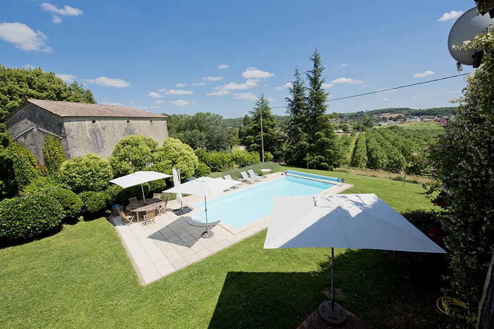 Private, heated pool in South West France