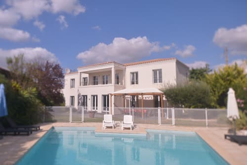 Holiday villa in Languedoc with private heated pool