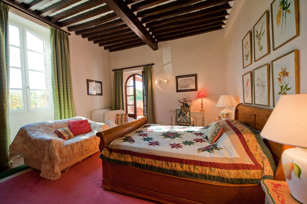 Bedroom in South West France holiday château