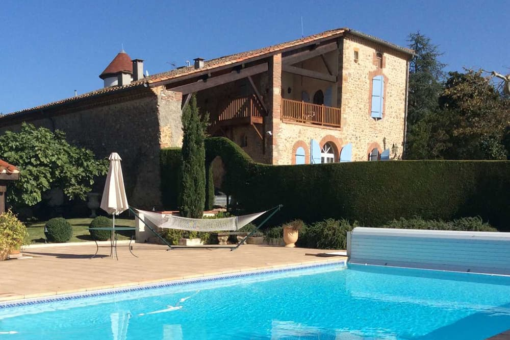 Holiday château with private pool in South West France