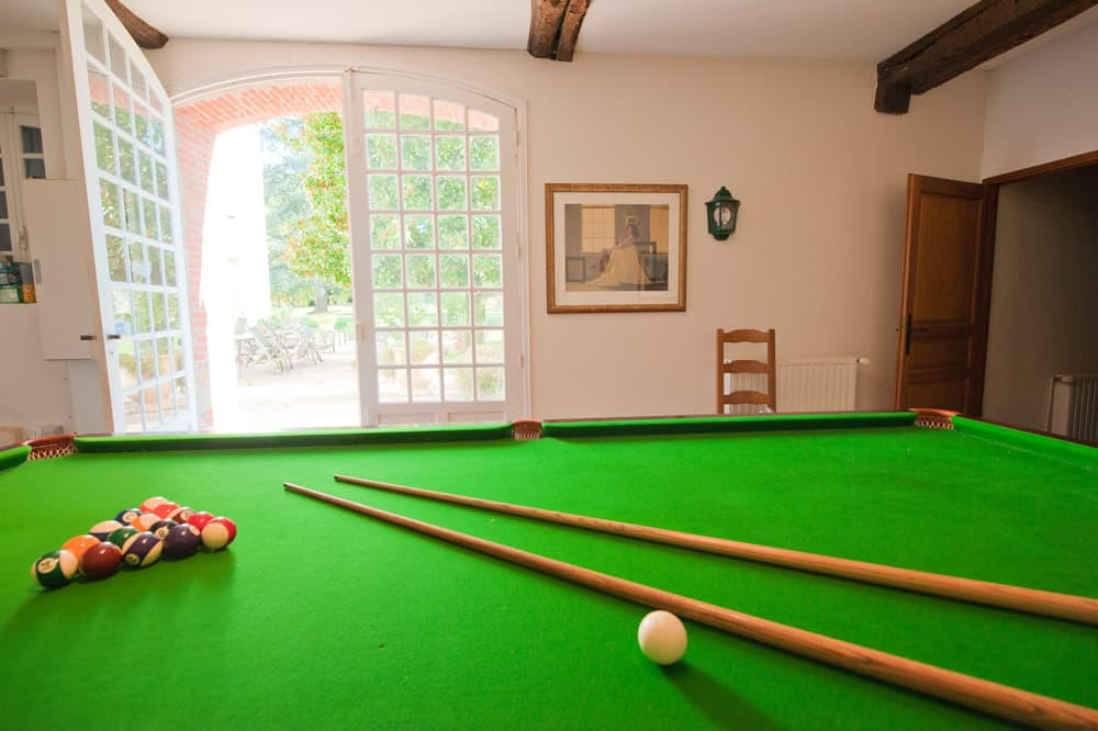 Snooker table in South West France holiday château