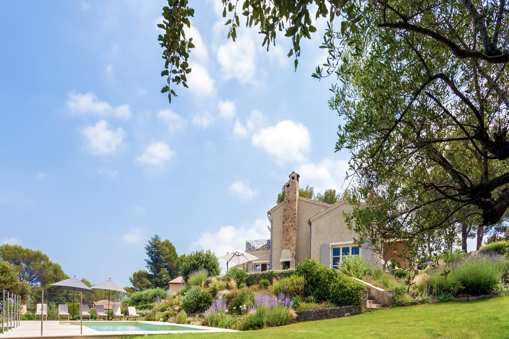 Holiday rental villa in Provence with private, heated pool