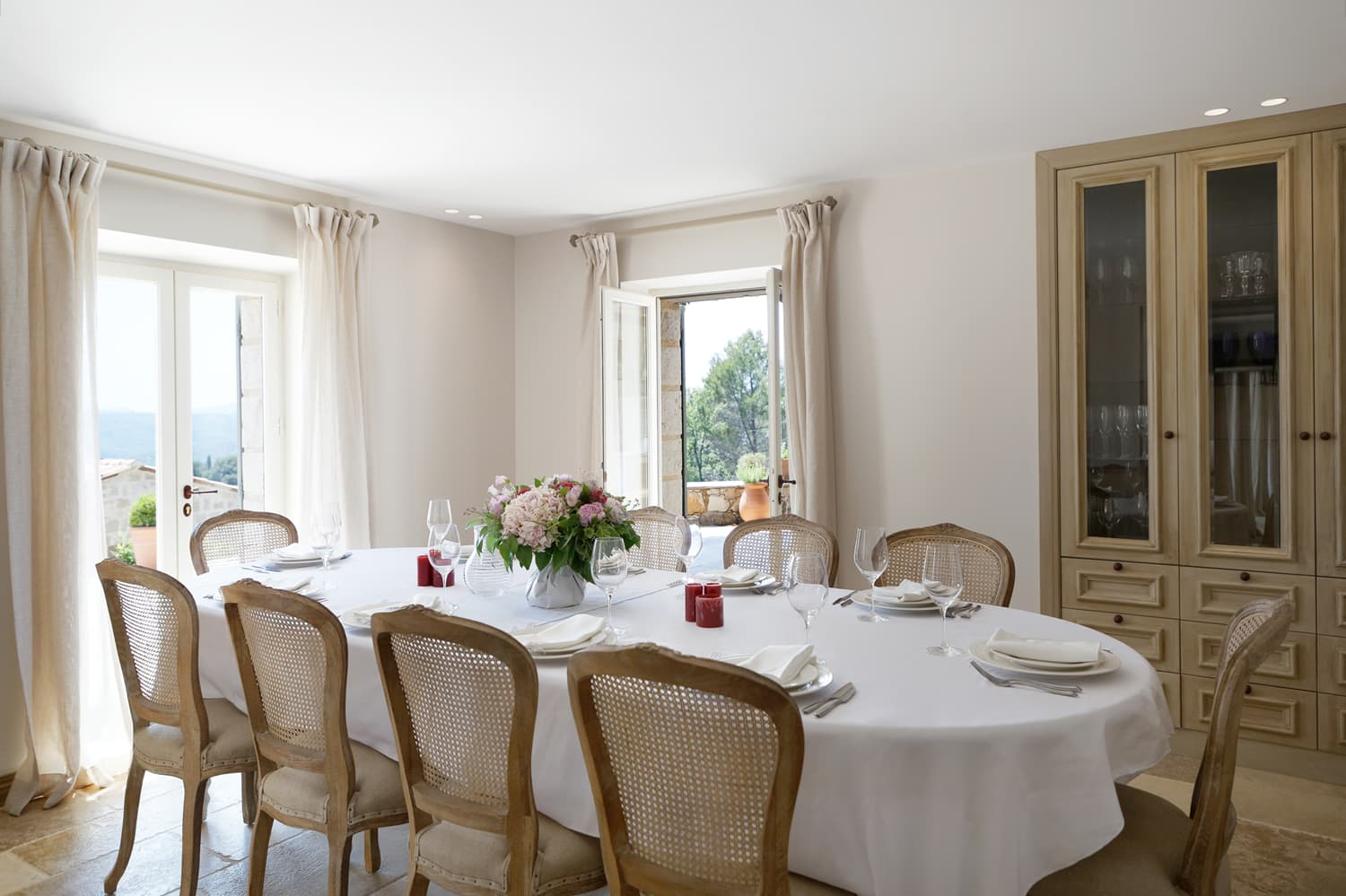 Dining room in Provence holiday home