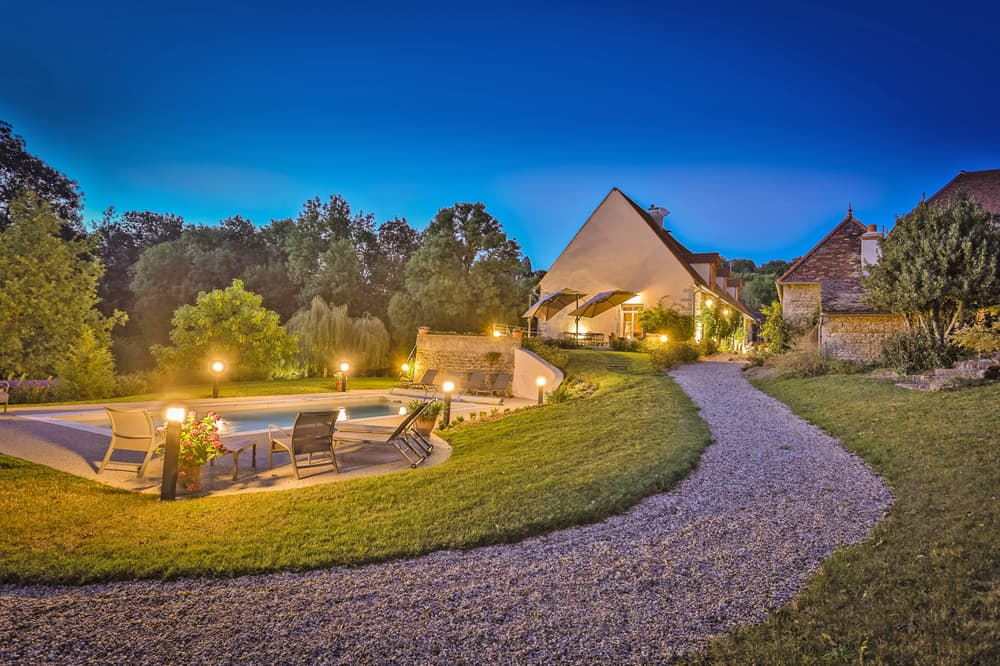 Holiday accommodation in Burgundy with private, heated pool
